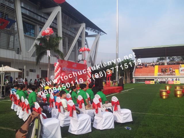 Cho thuê bục sân khấu khai mạc bóng đá trường Đại học Tôn Đức Thắng 3