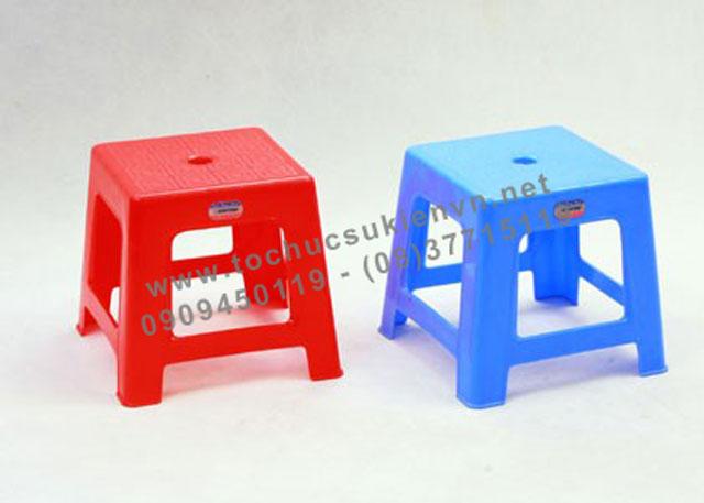 Cho thuê bàn ghế nhựa ngoài trời 8