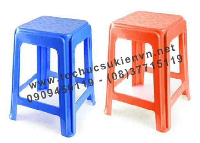 Cho thuê bàn ghế nhựa ngoài trời 10