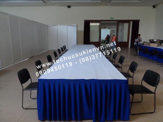 Cho thuê bàn ghế vip - ghế chân quỳ TPHCM 3