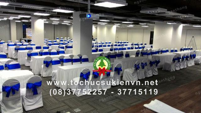 Cho thuê bàn dài chữ nhật hội nghị 14