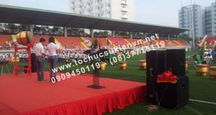 Cho thuê bục sân khấu khai mạc bóng đá trường Đại học Tôn Đức Thắng 4