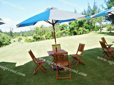 Cho thuê bàn ghế gỗ ngoài trời 4