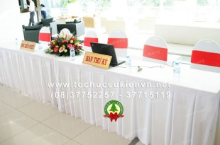 Các mẫu bàn ghế tổ chức sự kiện thông dụng nhất 3