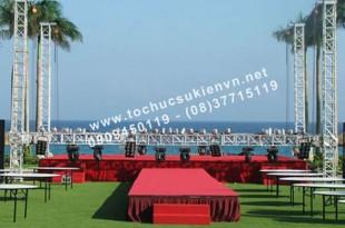 thiết kế sân khấu đám cưới