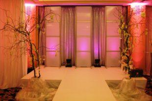 thiết kế sân khấu cho tiệc cưới