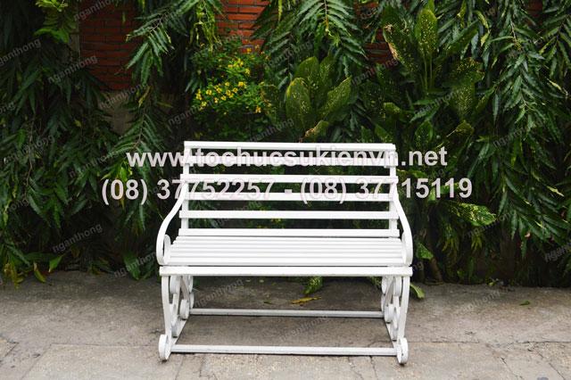 cho thuê bàn ghế công viên 2