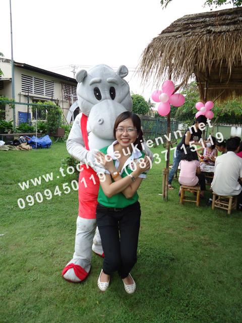 Cho thuê mascot gấu pooh, chuột micky