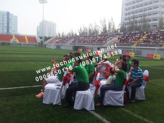 Cho thuê bục sân khấu khai mạc bóng đá trường Đại học Tôn Đức Thắng 2