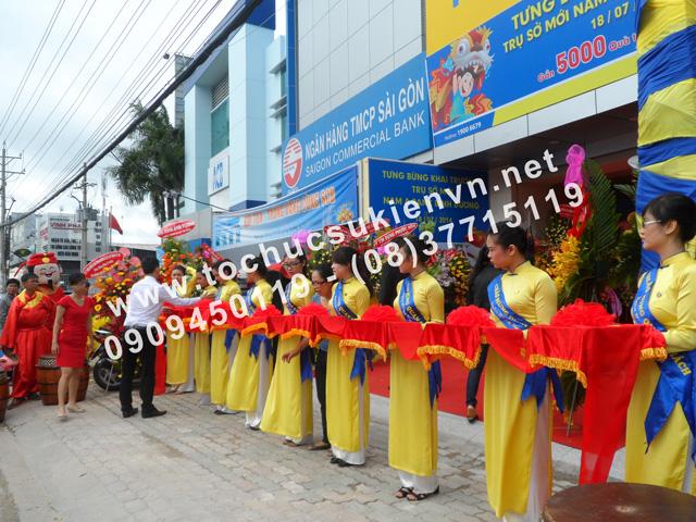 Tổ chức lễ khai trương chi nhánh mới của Ngân Hàng Nam Á ở Bình Dương 4