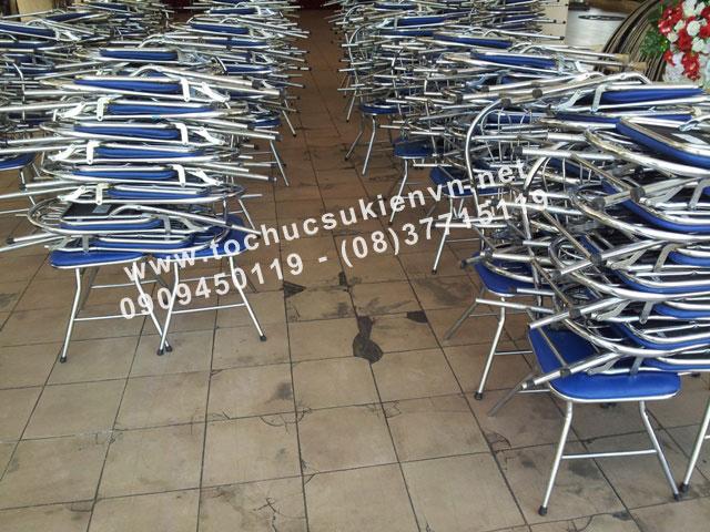 Cho thuê bàn ghế inox 2