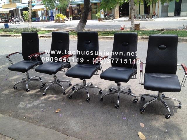 Cho thuê bàn ghế vip - ghế chân quỳ 9