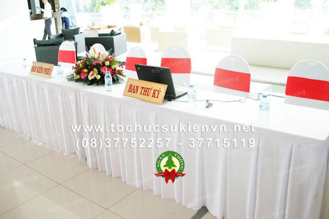 Các mẫu bàn ghế tổ chức sự kiện thông dụng nhất