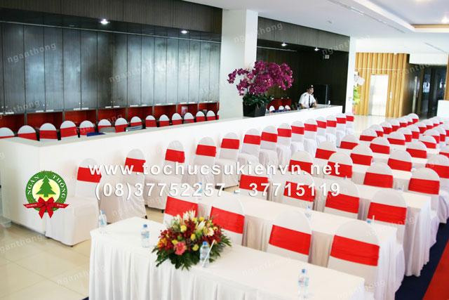 Cho thuê bàn ghế họp báo, hội nghị 3