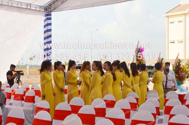 Cho thuê áo dài lễ tân tại lễ khởi công Dona Corp