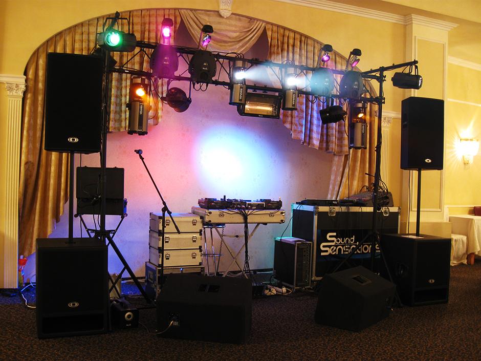 Một dàn âm thanh chuẩn cho tiệc cưới
