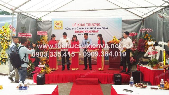 Cho thuê bục sân khấu khai trương Trung Nam Phát
