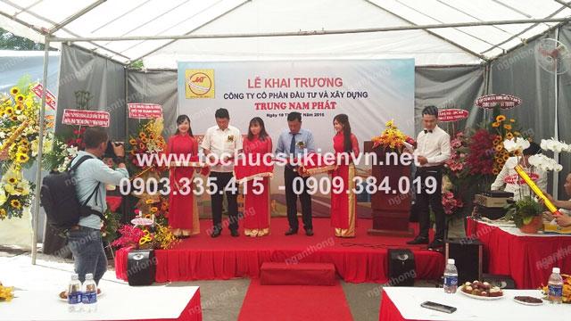 Cho thuê bục sân khấu khai trương Trung Nam Phát 2