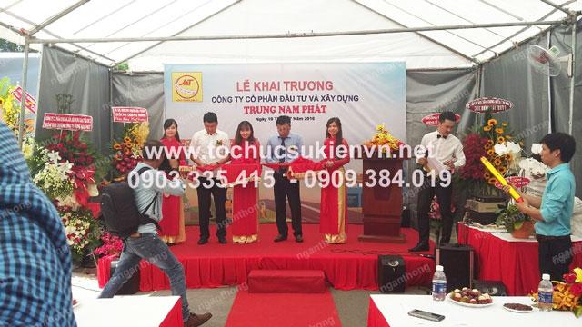 Cho thuê bục sân khấu khai trương Trung Nam Phát 3