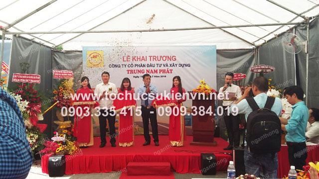 Cho thuê bục sân khấu khai trương Trung Nam Phát 5
