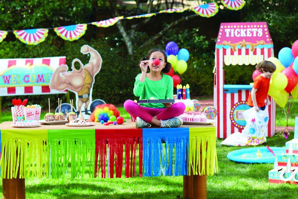 Tổ chức tiệc sinh nhật ngoài trời cho bé