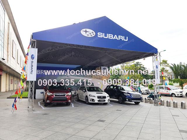 Cho thuê bàn ghế tại gian hàng tư vấn Subaru 3