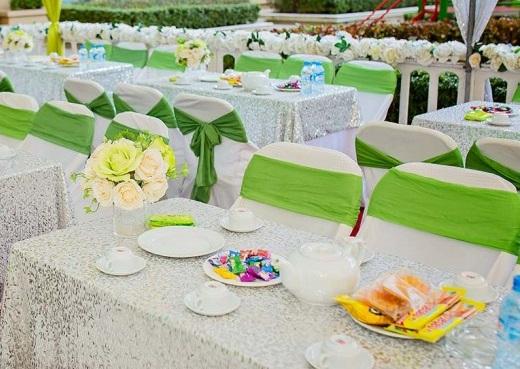 áo ghế khăn trải bàn