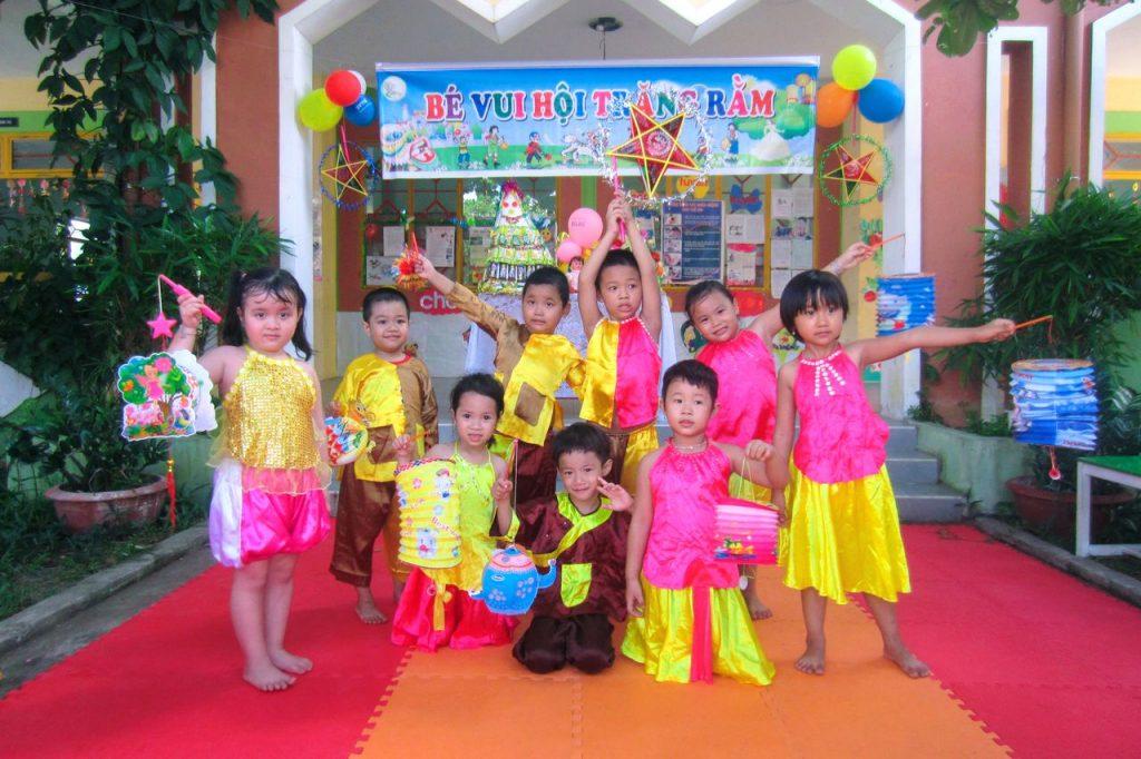 Tổ chức trung thu cho bé